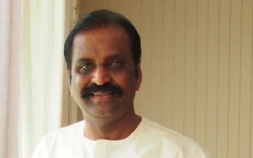 ONV விருது: `அந்த அங்கீகாரத்திற்கு தகுதியானவர்தானா வைரமுத்து?' - சர்ச்சையும் விவாதங்களும்!