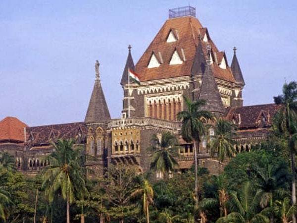 மகாராஷ்டிரா:`10ம் வகுப்பு தேர்வு ரத்து; கல்விமுறையைக் கடவுள்தான் காப்பாற்ற வேண்டும்'-உயர் நீதிமன்றம்