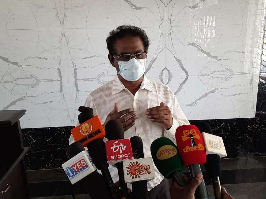 கரூர்: `ஆக்ஸிஜனை உற்பத்தி செய்ய முன்வந்த டி.என்.பி.எல் நிறுவனம்!' - மருத்துவக் கல்லூரி டீன்
