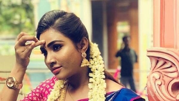 மைனா நந்தினி