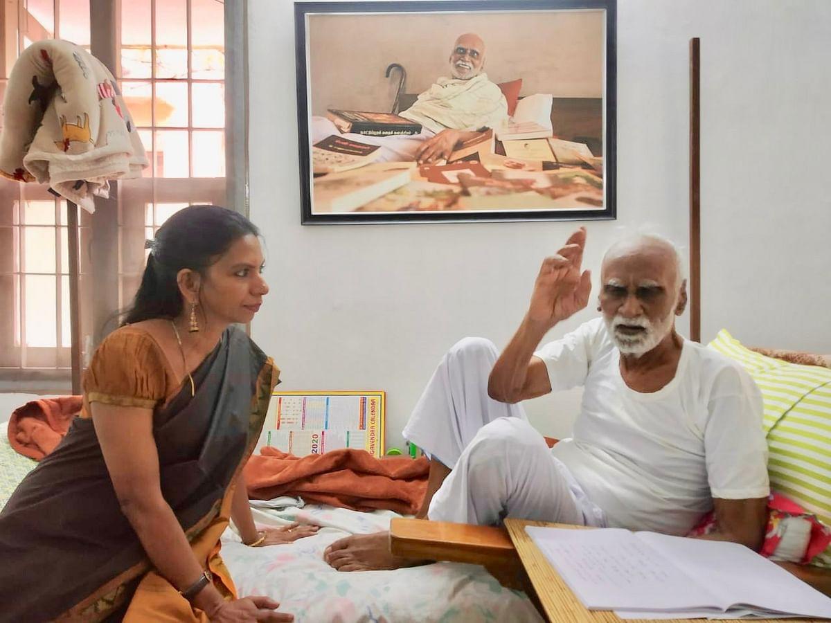 `காலத்தின் வேகத்துக்கு இணையாகப் பயணித்தவர் கி.ரா!' - குட்டி ரேவதி