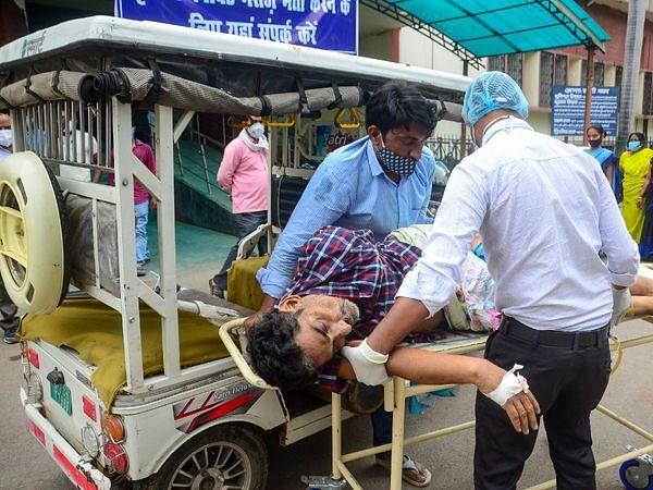 மகாராஷ்டிரா: கொரோனா நோயாளிகளைத் தாக்கும் கறுப்பு பூஞ்சை நோய் - 52 பேர் பலி