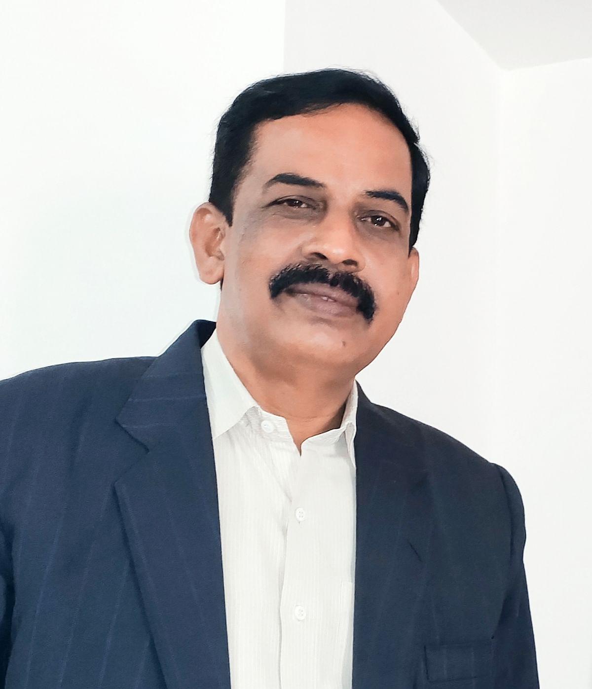 R. R. சந்திரசேகா்