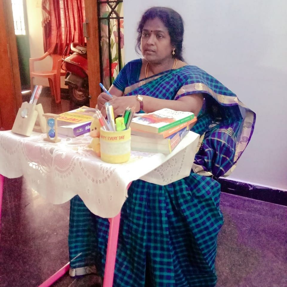 ஆசிரியை முருகேஷ்வரி