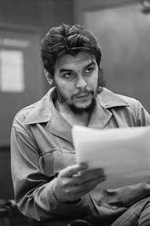 Che Guevara வாழ்ந்தது 39 ஆண்டுகள்தான்... ஆனால், கொன்றவர்கள் முன்பே உயிர்த்தெழுந்தது எப்படி?