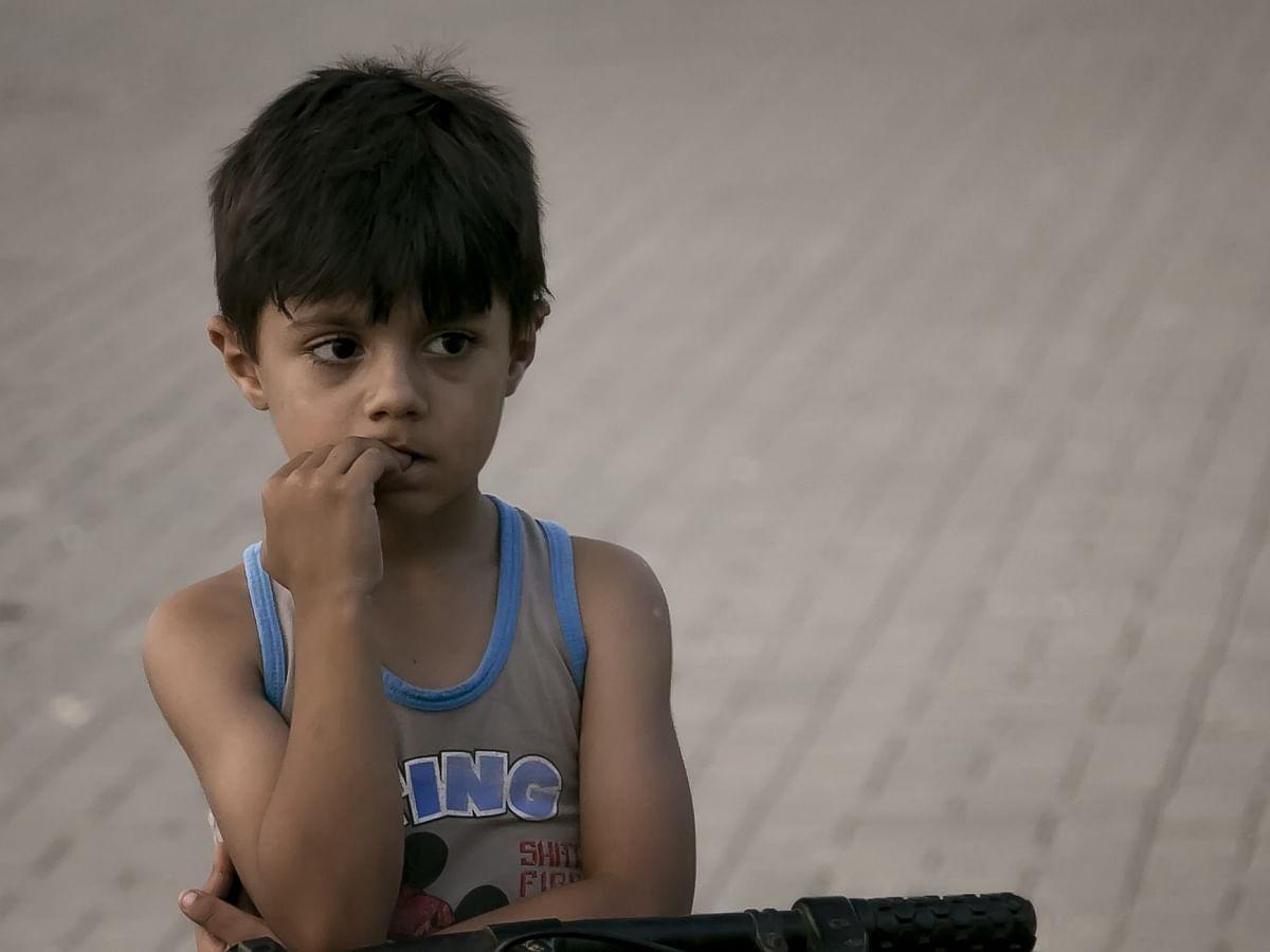 கண்சிமிட்டும் பொம்மை.. தேர்வறை.. கறுப்பு சேலை..! - திக் திக் திக் கனவு நேரம் #MyVikatan