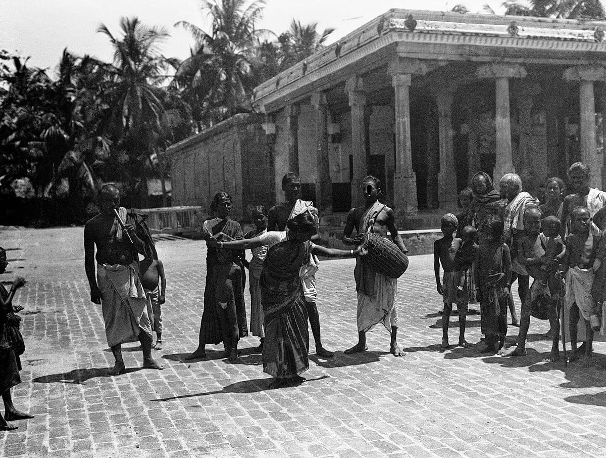 தெப்பக்குளத்தின் கலைஞர்கள்- கஸ்த் 1909
