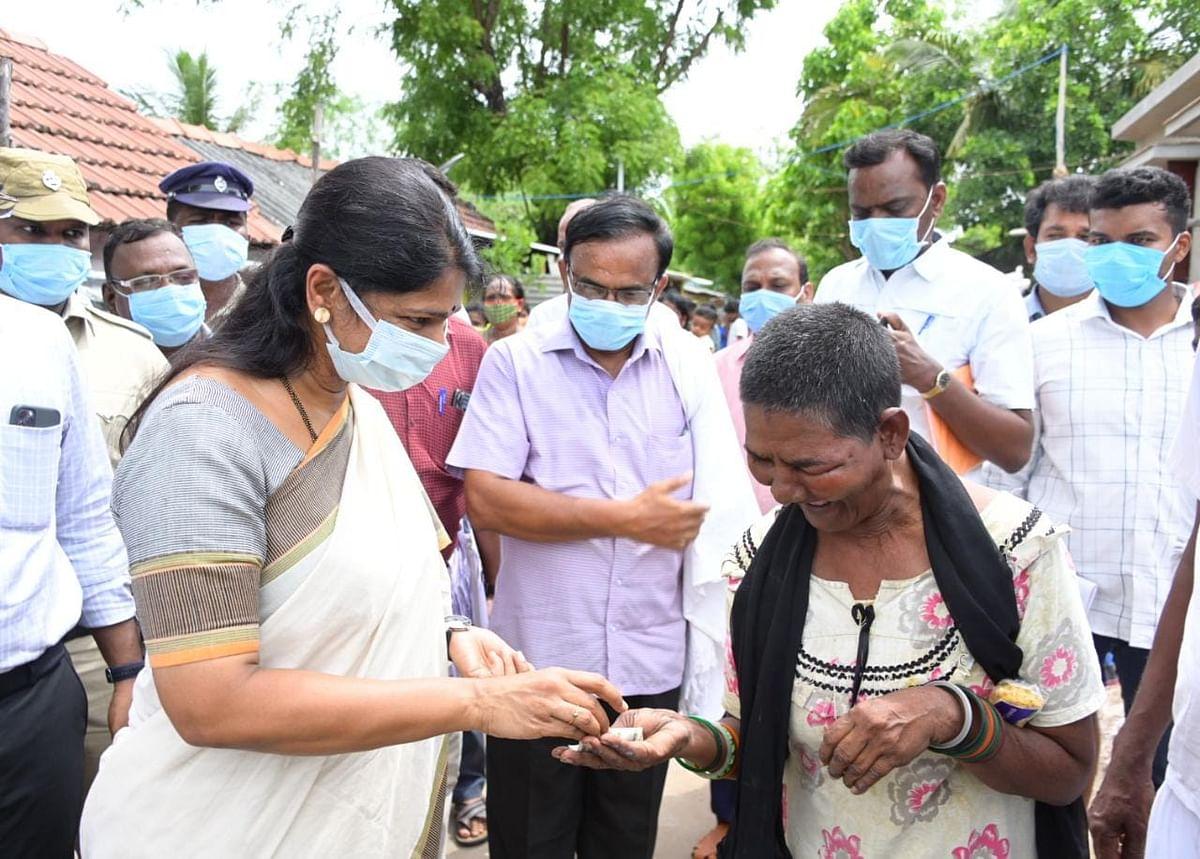 கனிமொழியிடம் ரூ.500 பெற்ற மனநிலை பாதிக்கப்பட்ட  செய்த்தூன் பீவி