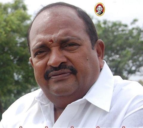 அ.தி.மு.க மாவட்டச் செயலாளர் கணேசராஜா