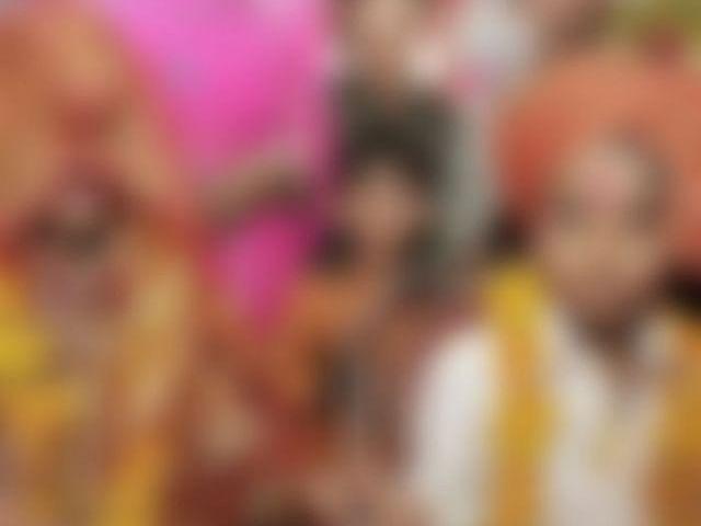 `வா கோயிலுக்குப் போயிட்டு வரலாம்!' - 17 வயது மகளுக்கு தாயே அரங்கேற்றிய கொடூரம்