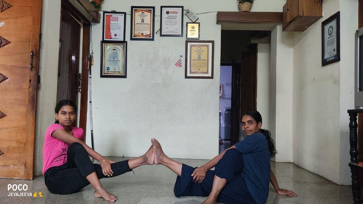 ஹர்ஷநிவேதா, ஜோதி