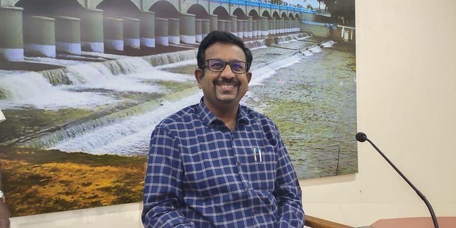 கலெக்டர் தினேஷ் பொன்ராஜ் ஆலிவர்