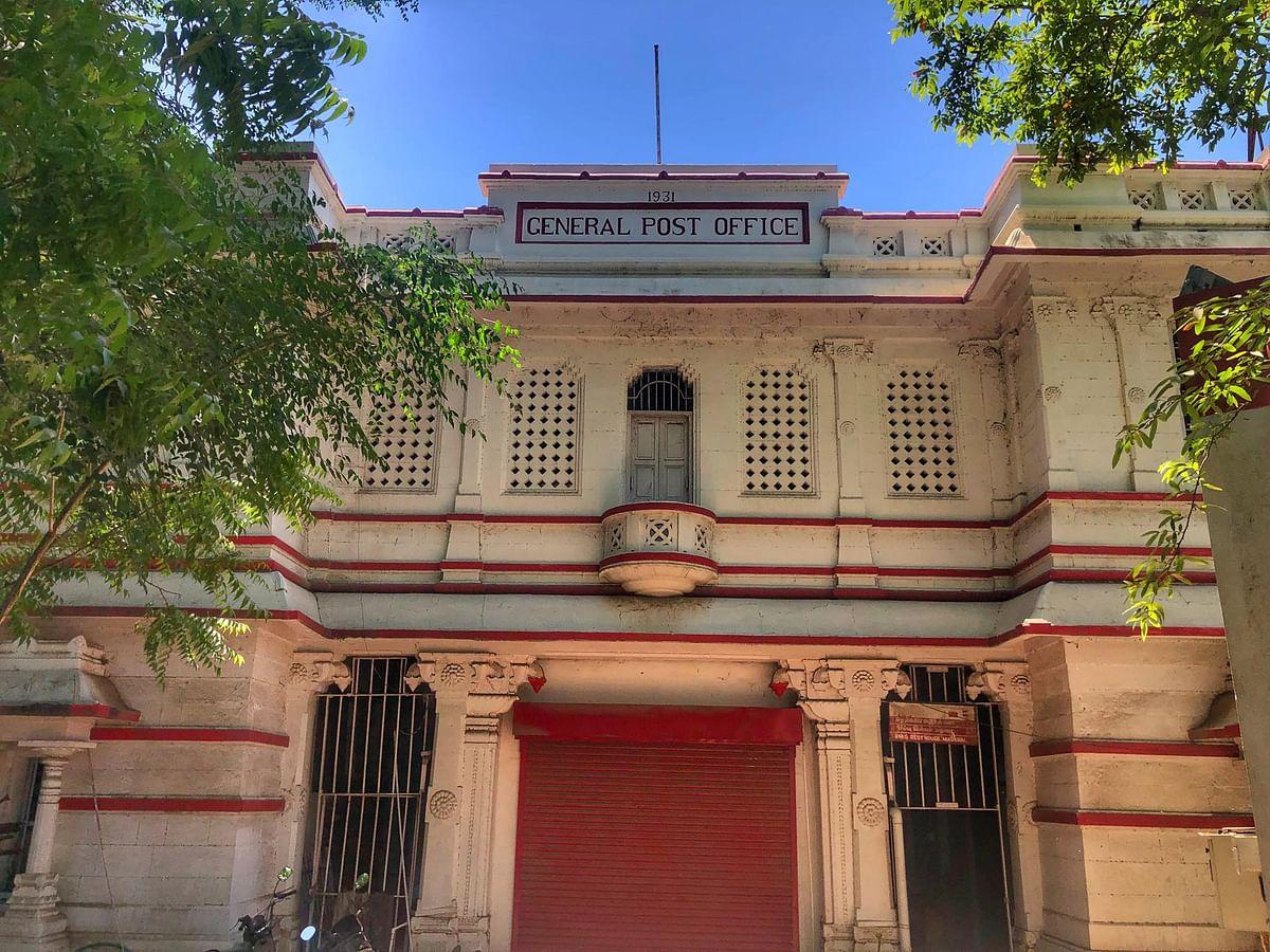 1931ல் கட்டப்பட்ட மதுரை தலைமை தபால் நிலையம்