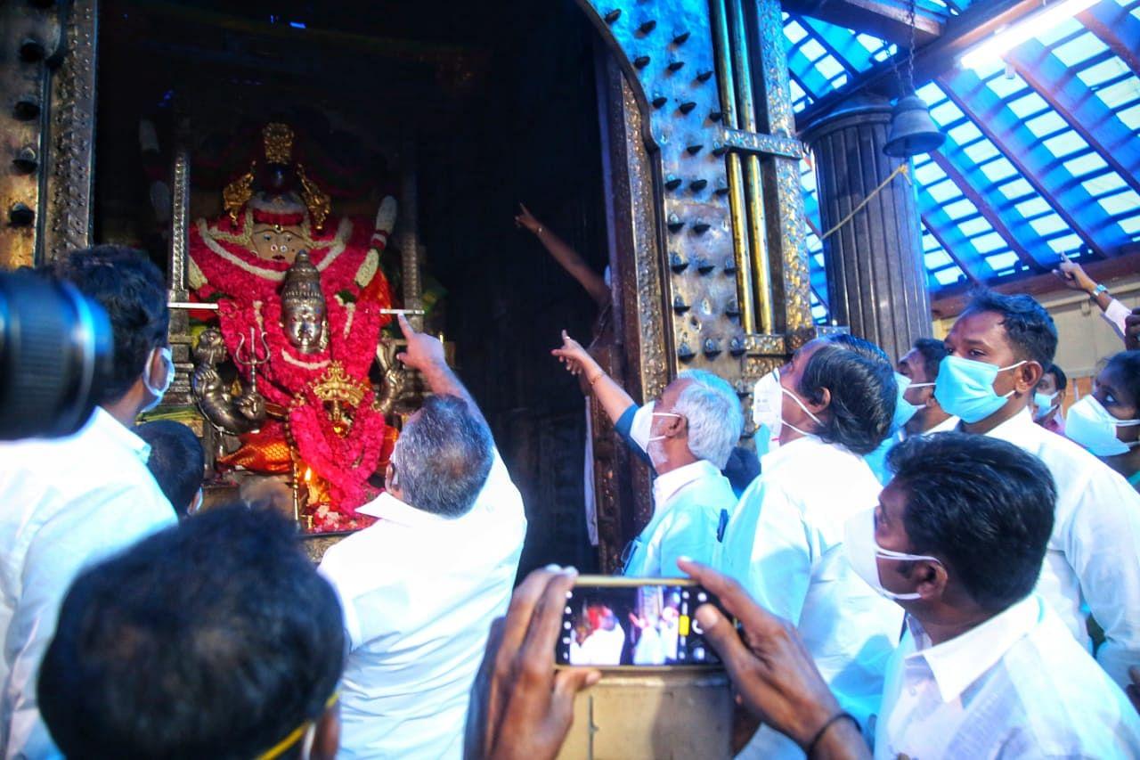 மண்டைக்காடு பகவதி அம்மன் கோயிலில் அமைச்சர் சேகர்பாபு ஆய்வு