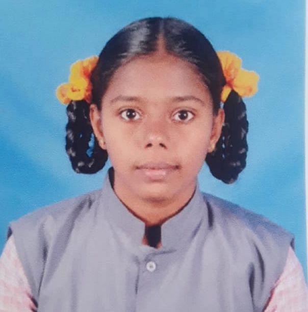 அரசுப் பள்ளி மாணவி சத்யா