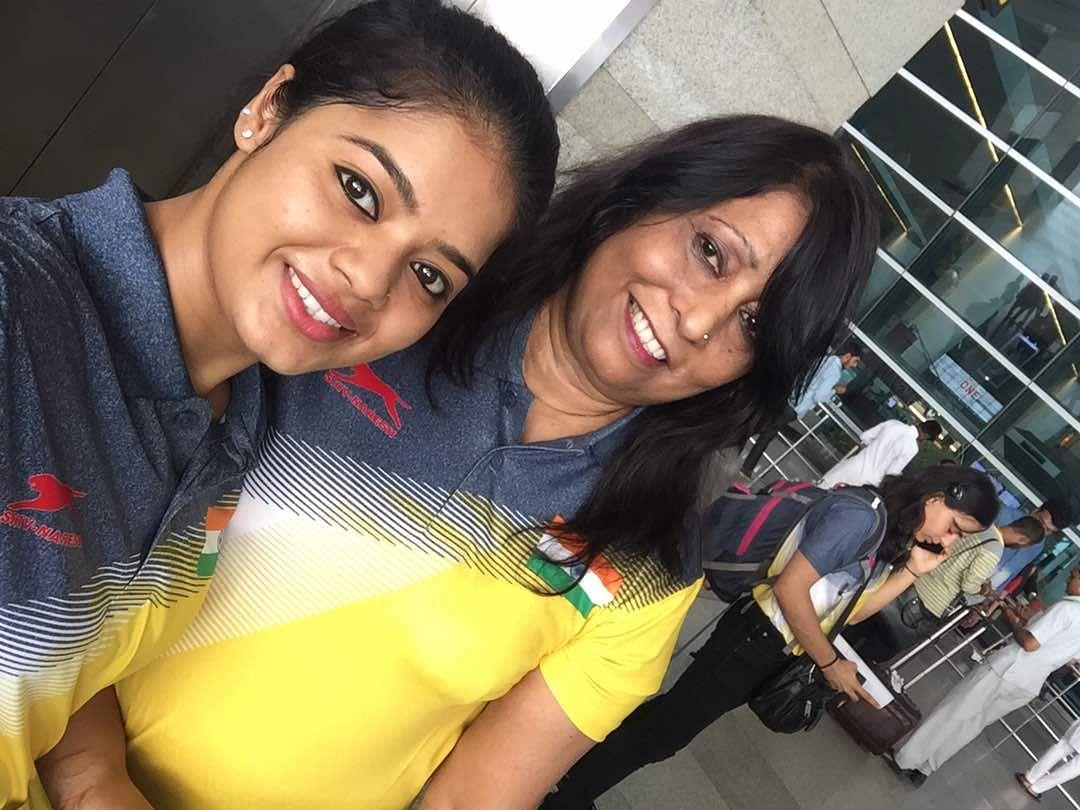 பயிற்சியாளர் மினரா பேஹமுடன் பிரனதி
