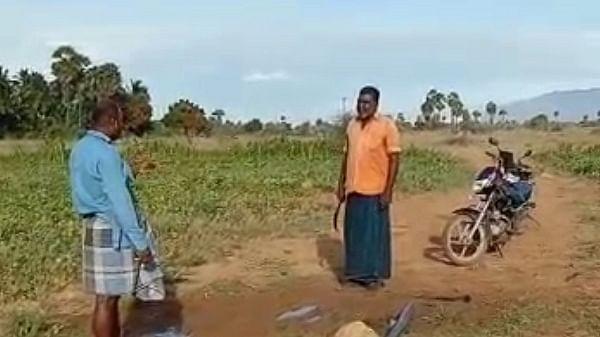வாக்குவாதம் செய்யும் மருதையா