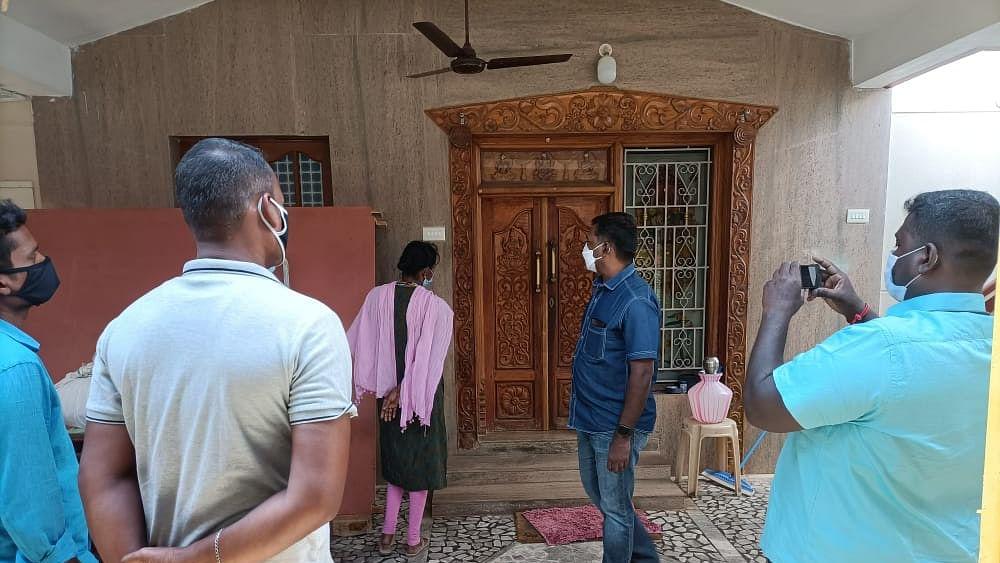 ஊராட்சித் தலைவர் வீட்டில் ரெய்டு
