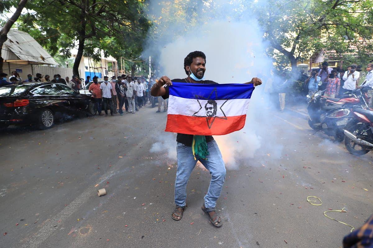 ரஜினி அரசியல் என்ட்ரி - உற்சாகத்தில் ரசிகர்கள்