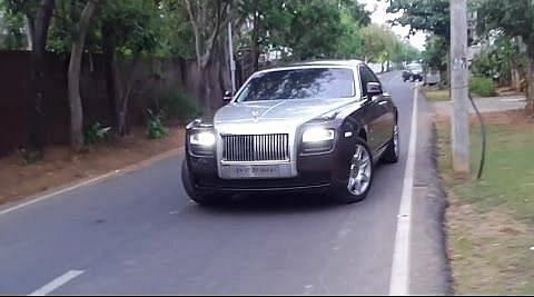 நடிகர் விஜய்யின் ரோல்ஸ் ராய்ஸ் கார்