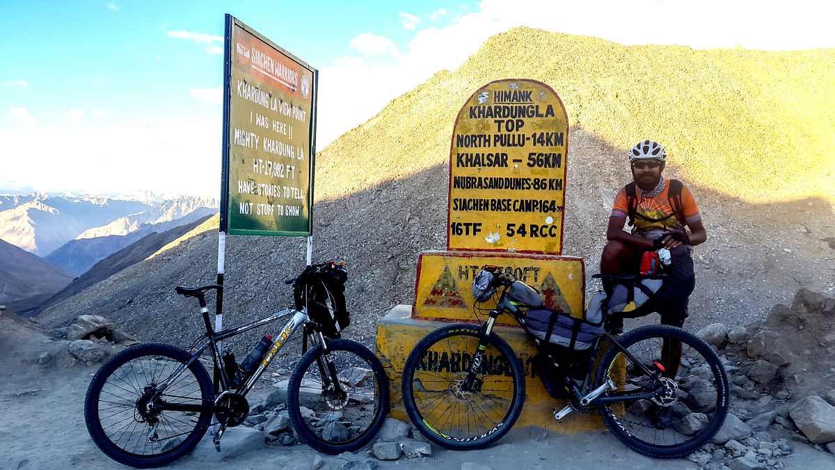 Cycling to the top of the world, Khardung La
