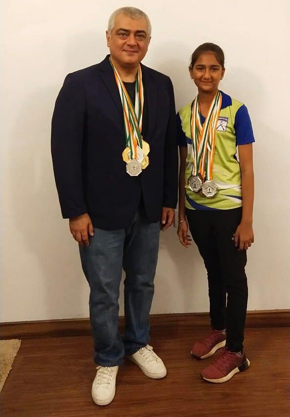 அஜித்துடன் சமிக்ஷா