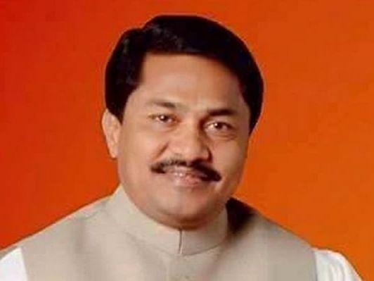 மகாராஷ்டிரா:`சிவசேனா, தேசியவாத காங்கிரஸ் உளவு பார்க்கின்றன'-கூட்டணிக்கட்சியான காங்கிரஸ் தலைவர் பகீர்