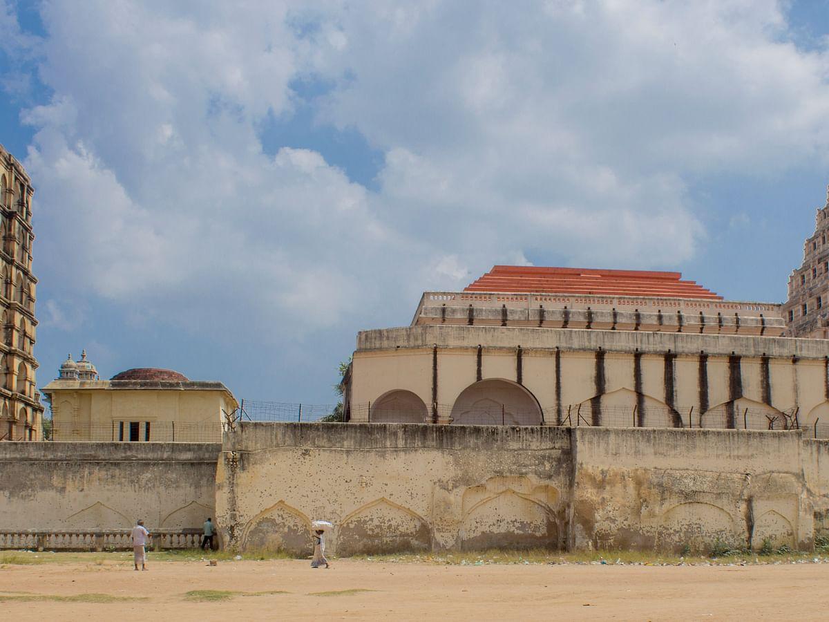 தஞ்சாவூரில் 450 ஆண்டுகள் பழைமையான நீர்த் தூம்பு... மழைநீர் சேகரிப்பில் அசத்திய மன்னர்கள்!