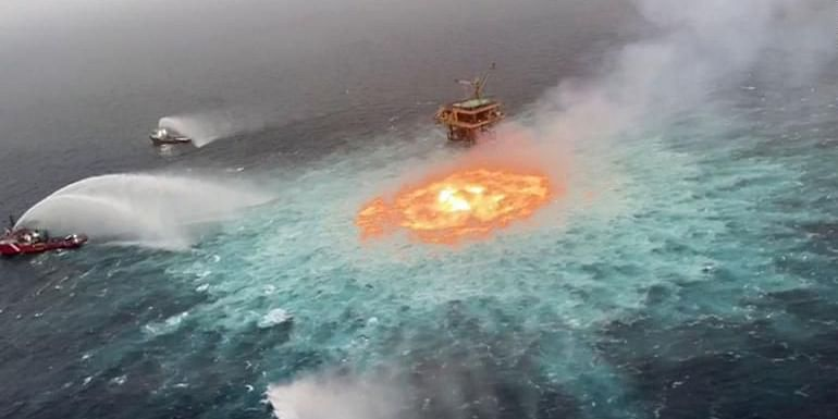 Gulf of Mexico on Fire | மெக்சிக்கோ கடலில் தீ