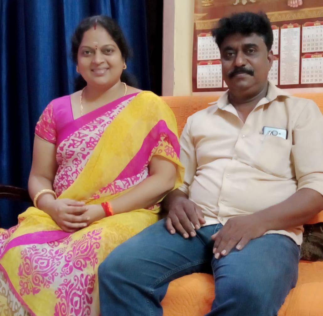 கணவர் தண்டபாணியுடன் ஜீவஜோதி