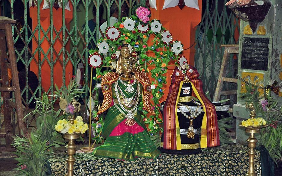 ஆடி அம்மன் தரிசனம்: கேட்டதையெல்லாம் கொடுப்பாள் கோட்டை மாரி - திண்டுக்கல் கோட்டை மாரியம்மன்!