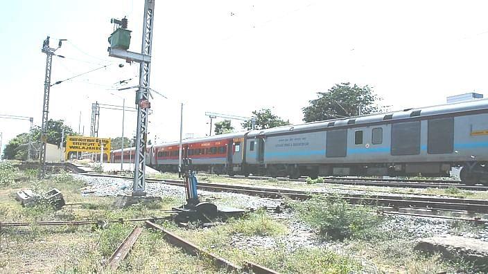 வாலாஜாபேட்டை ரயில் நிலையம்
