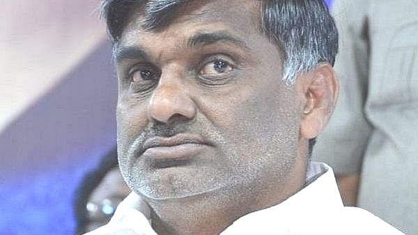 முன்னாள் அமைச்சர் கே.சி.வீரமணி