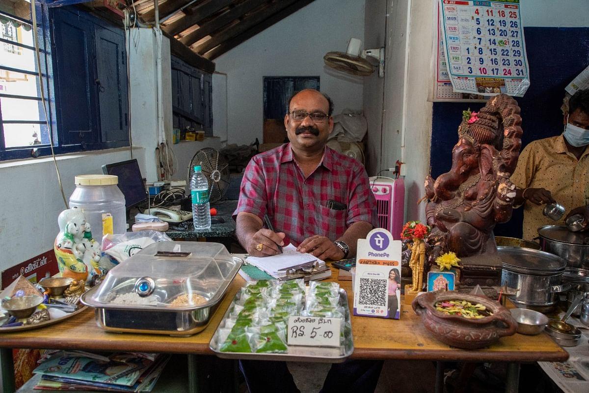 கார்த்திக் மெஸ் கடையின் உரிமையாளர் சங்கர்