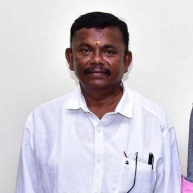 வழக்கறிஞர் குணசேகரன்