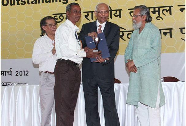 விருது பெறும் ரங்கநாதன்