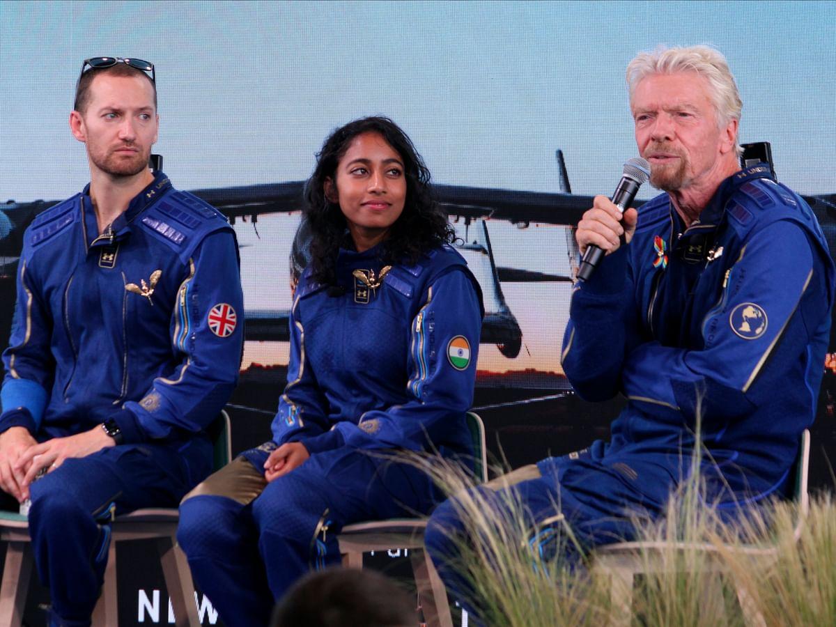 Space Tourism: விண்வெளியில் விர்ஜின் கேலக்டிக்... சாதனை செய்த 71 வயது ரிச்சர்ட் பிரான்சன்!