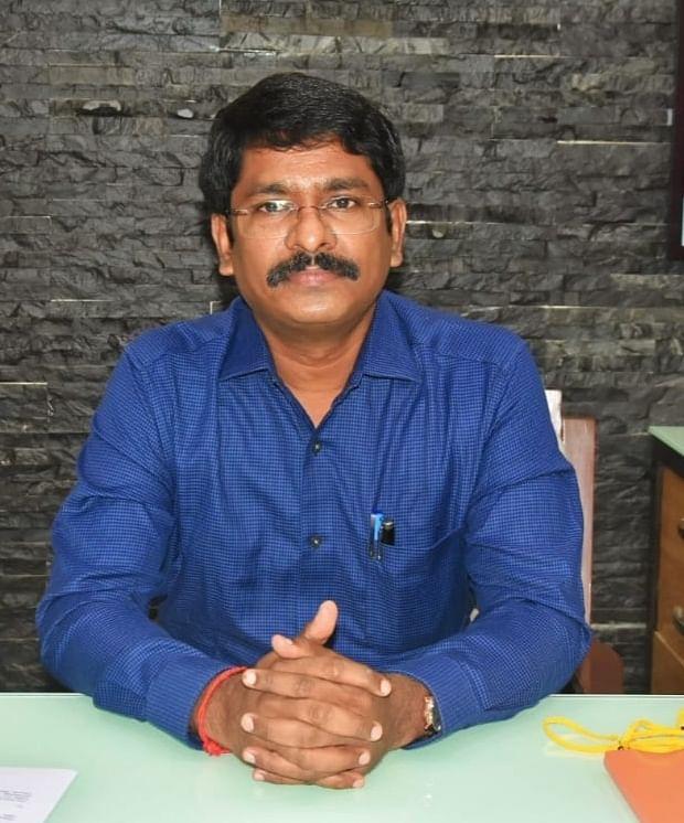 விழுப்புரம் மாவட்ட ஆட்சியர் மோகன்.
