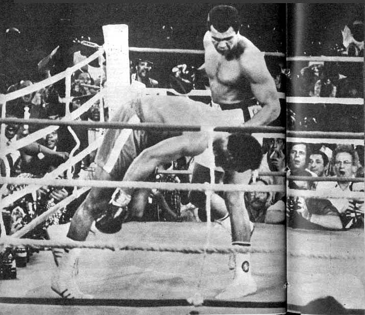 Ali hitting foreman