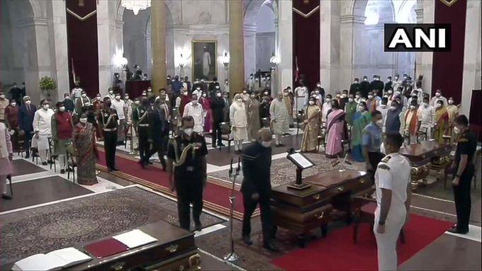 43 புதிய மத்திய அமைச்சர்கள் பதவியேற்பு