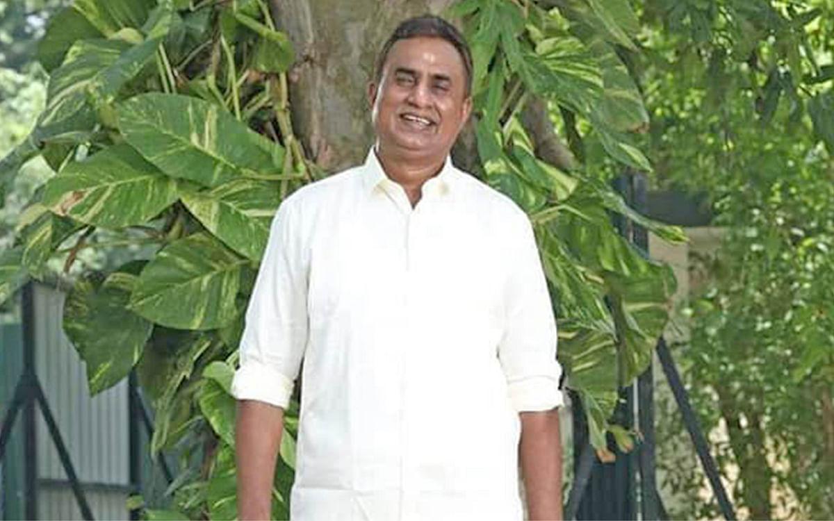 ஊரெல்லாம் பினாமி கம்பெனிகள்... ஆர்.டி.ஐ அம்பலப்படுத்தும் வேலுமணி நெட்வொர்க்!