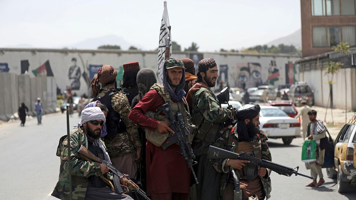 தாலிபன் | Taliban fighters patrol in Kabul, Afghanistan