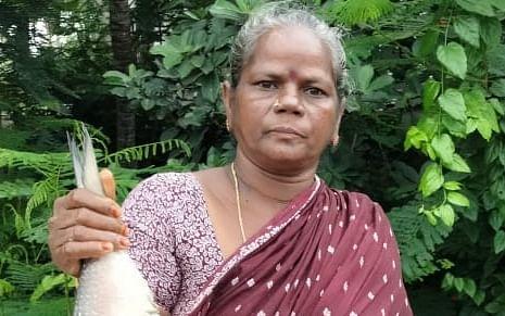 ஒரு மீன் ₹20,000; ஏலத்தில் எடுத்து ஆச்சர்யப்படுத்திய மீனவப் பெண்!