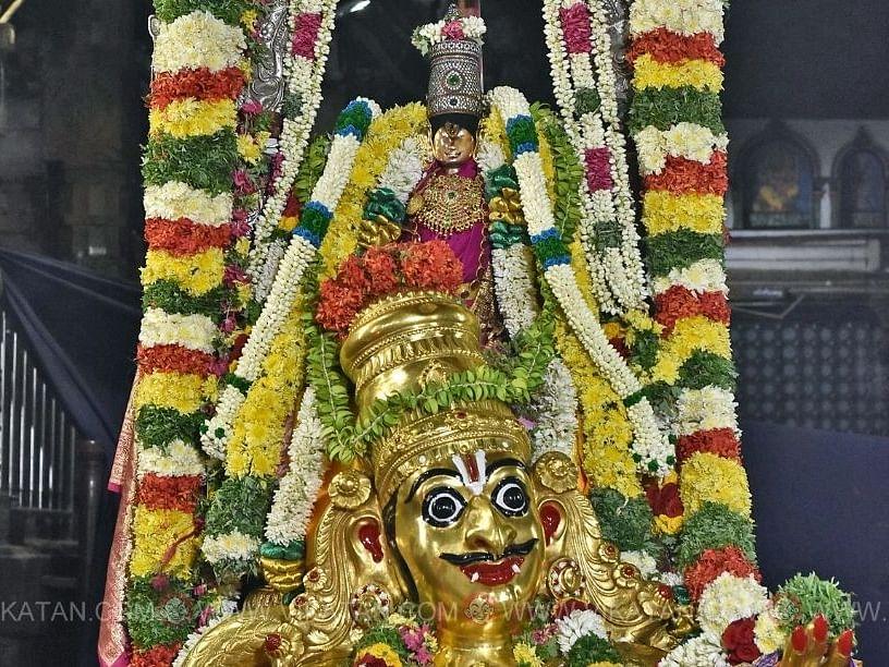 கருட வாகனத்தில் கள்ளழகர் பெருமாள்