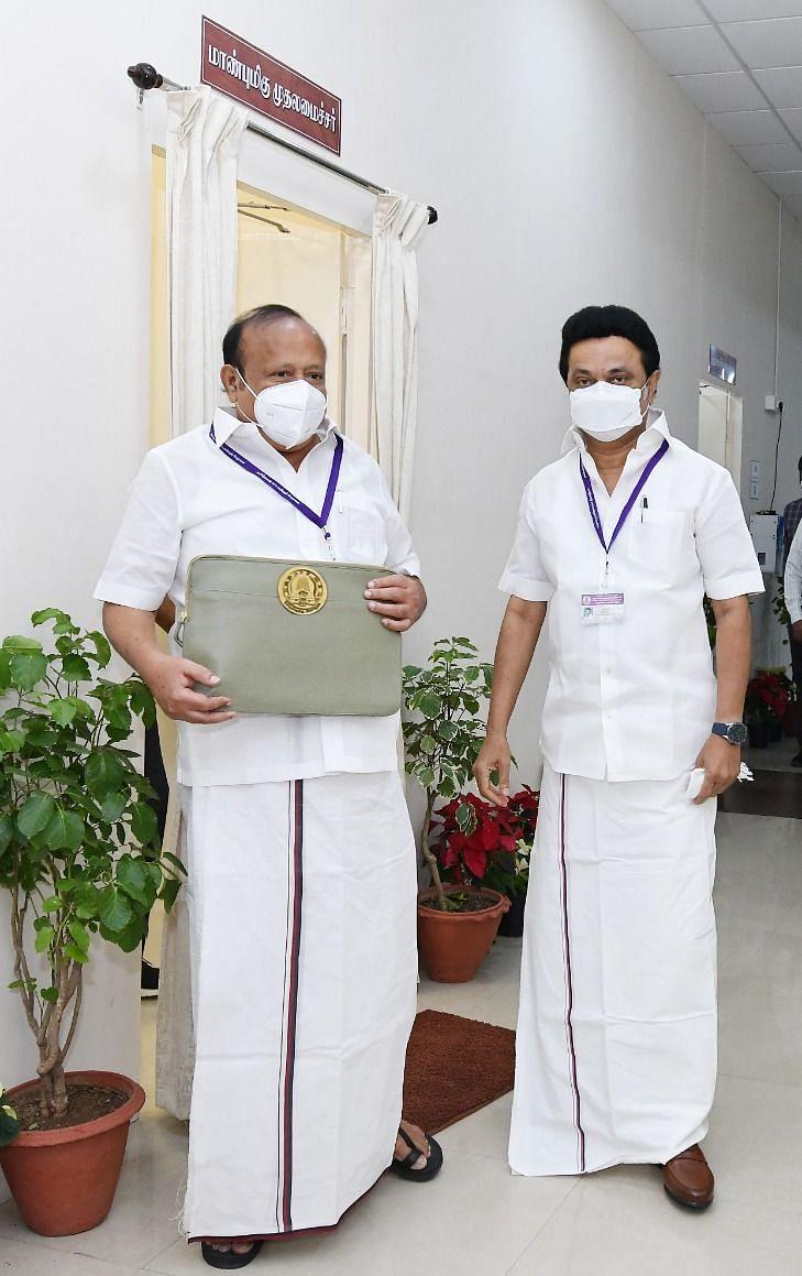 எம்.ஆர்.கே.பன்னீர்செல்வம் - முதல்வர் மு.க.ஸ்டாலின்
