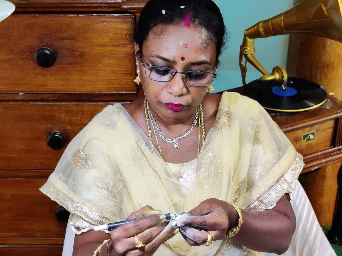 ஆசிரியை மோகனா