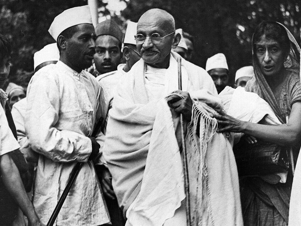புத்தம் புது காலை : ஆகஸ்ட் புரட்சியை தொடங்கிவைத்த இரு கலகக்காரர்கள்!
