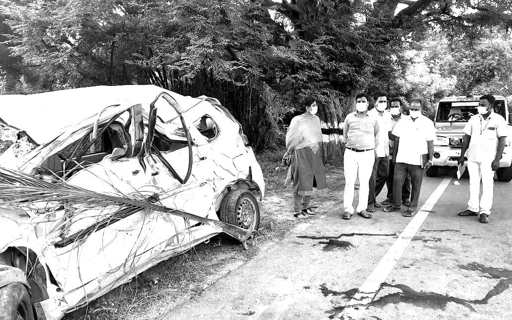 ஆரணி: கட்டுப்பாட்டை இழந்த கார்; லாரி மோதி விபத்து; கைக்குழந்தை உட்பட 6 பேர் பலியான பரிதாபம்!