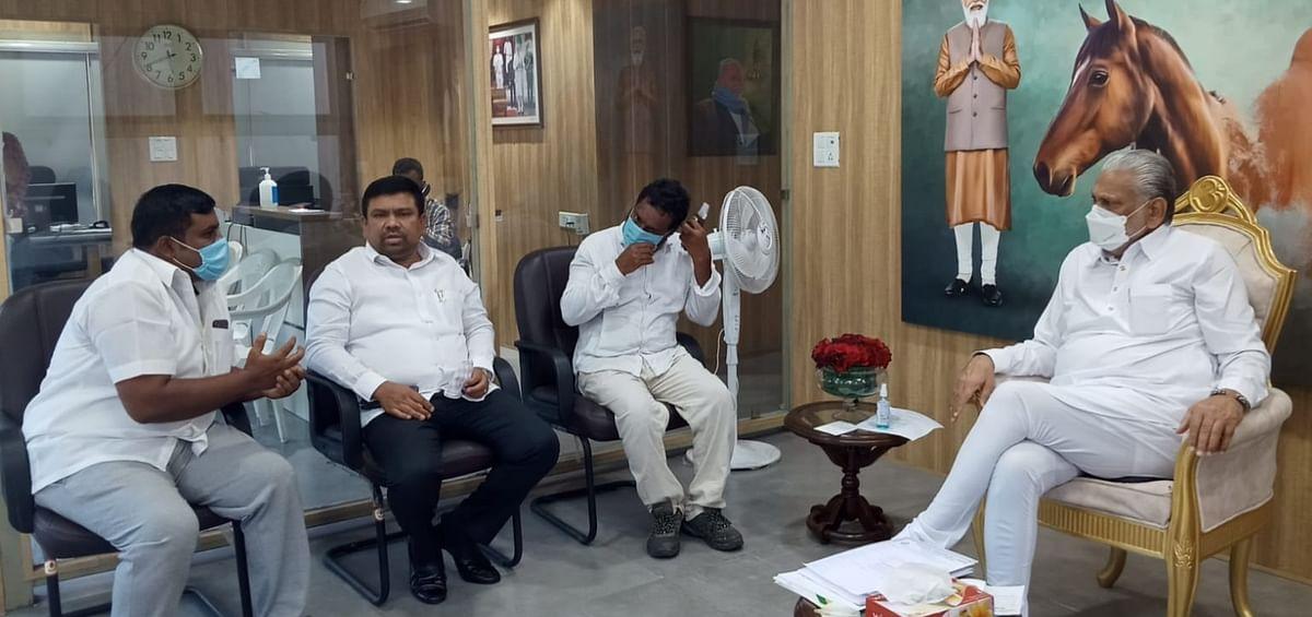 மத்திய அமைச்சர், ராமநாதபுரம் எம்.பி-யுடன்...