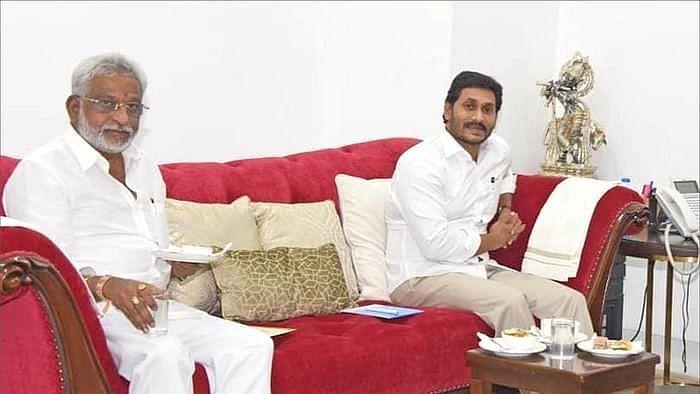 ஜெகன் மோகனுடன் சுப்பா ரெட்டி